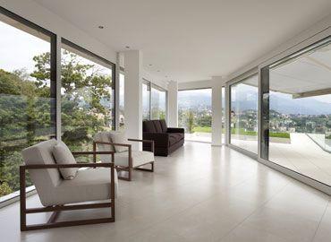 Lesena okna in panoramske stene