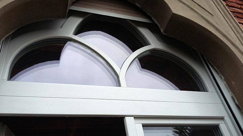 Obnovljena lesena okna