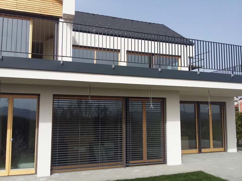 Ugodna lesena okna za hišo